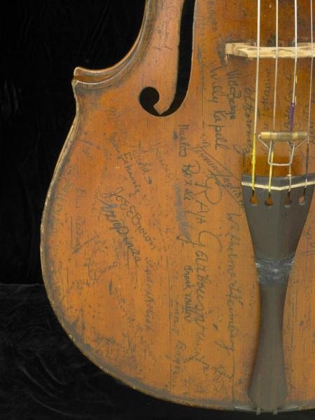 Signatures on the lower bass side of the Rovatti Cello